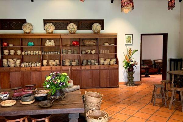 quán ăn Bếp Nhà Lục Tỉnh